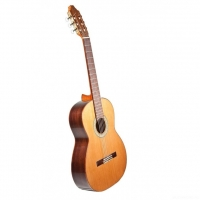 PRUDENCIO Classical Initiation Model 004A Spruce